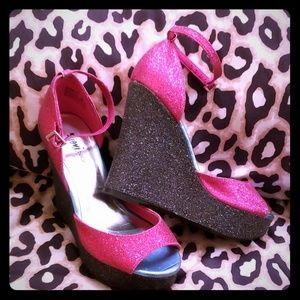 "5.5"" Black & Pink Glitter Wedges"